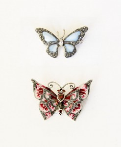 Broches de mariposas